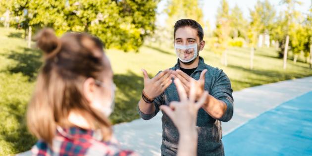 Les 1ers masques transparents français bientôt commercialisés